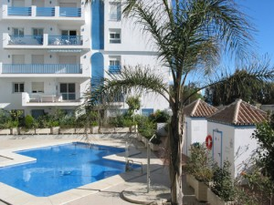 Estepona Holiday Apartment - View of Pool